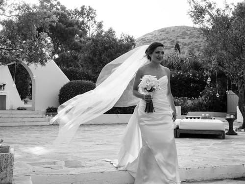 Image 18 of Iranian Chic White Wedding in Athens